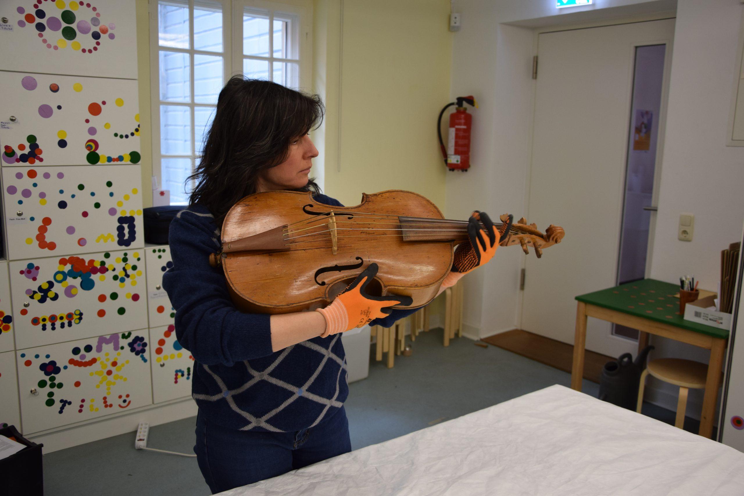 Daniela Gaidano violoncello piccolo Wagner Borstendorf museo lubecca