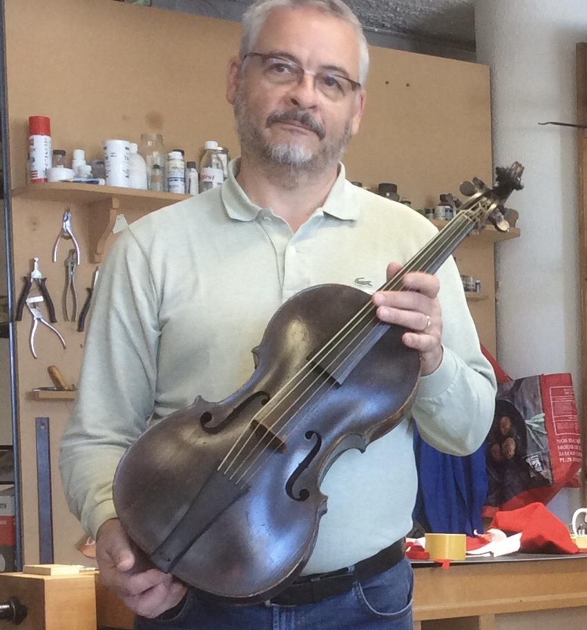 Alessandro visintini e il violoncello piccolo j. Ch. Hoffmann bruxelles